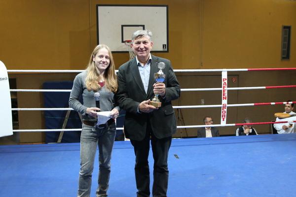 Lisa Kempin und Karl Heinz Hahn, Präses FK MG