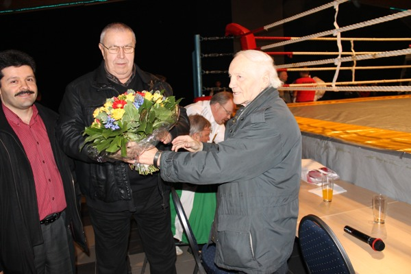 Bei 700 Boxkämpfen im Einsatz: vl. Seyit Cakyr, Bernhard Kordowski, Hans Westerfeld
